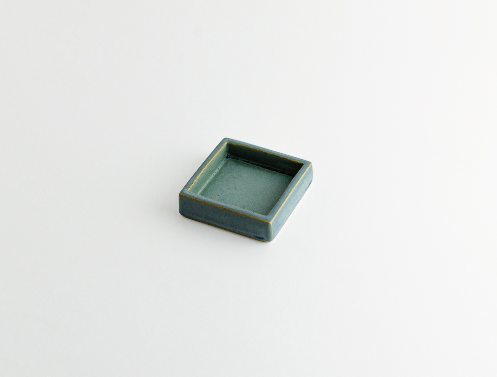 HAKO_錆青 角皿 S イメージ