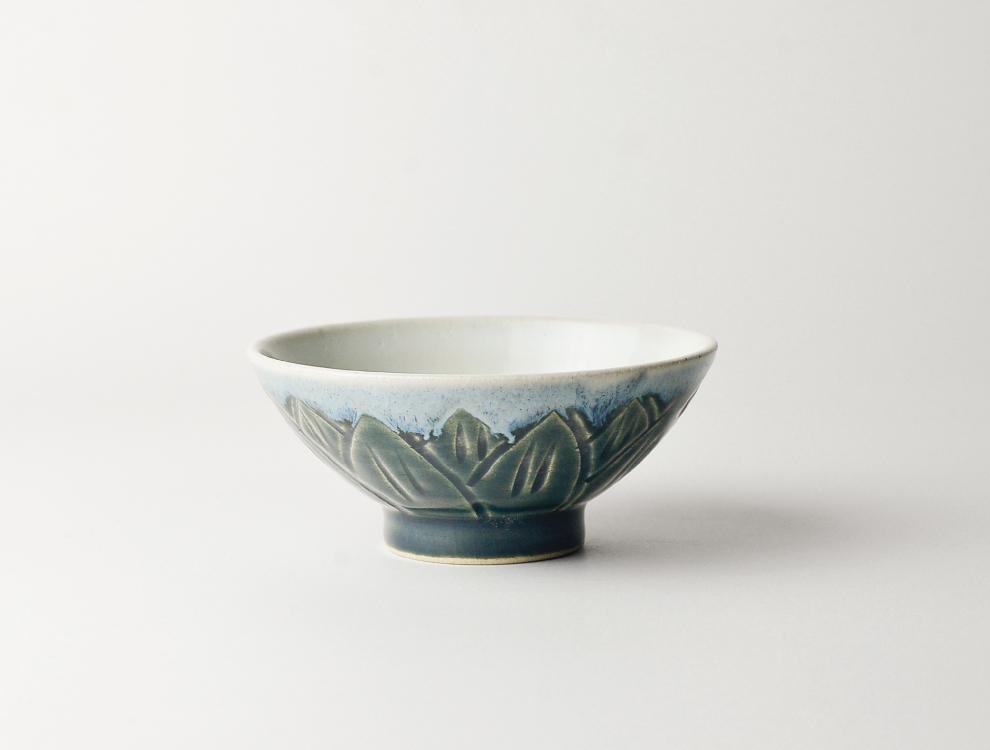 U TOCHIGI DESIGN_呉須釉彫蓮紋 飯碗のイメージ