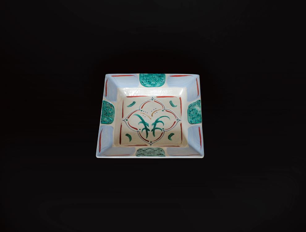 刷毛目花紋角皿のイメージ