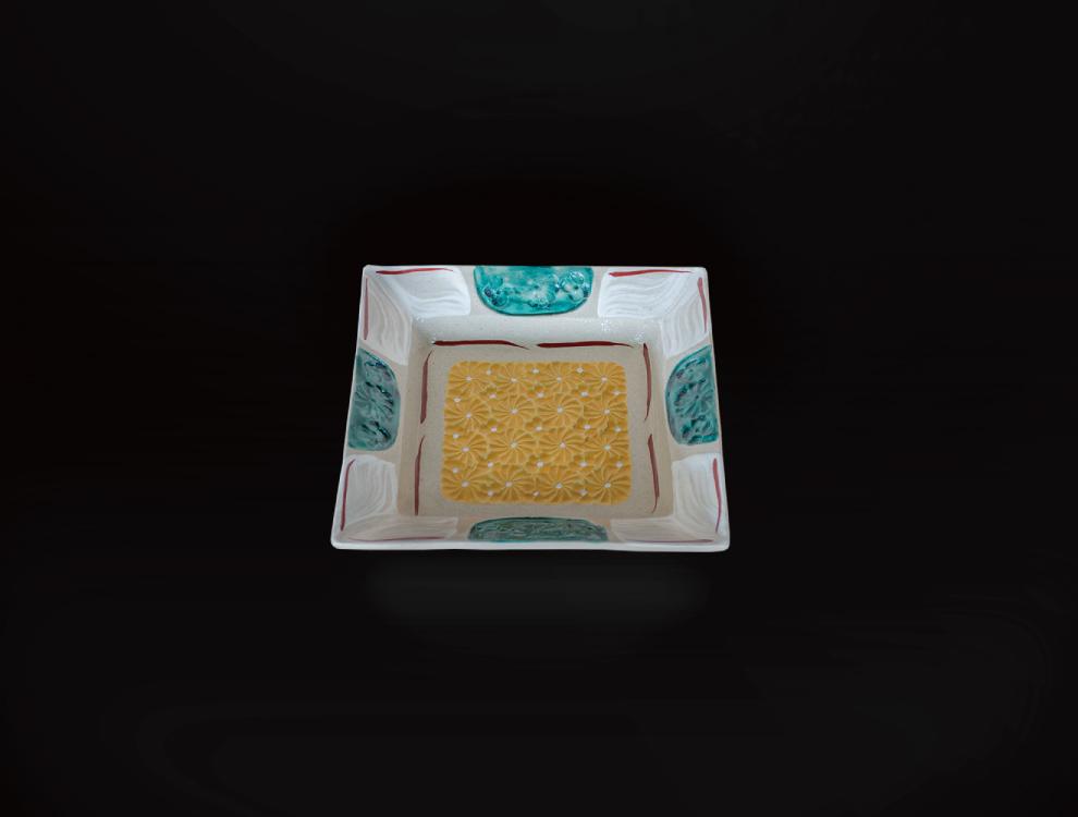 刷毛目金彩角皿のイメージ