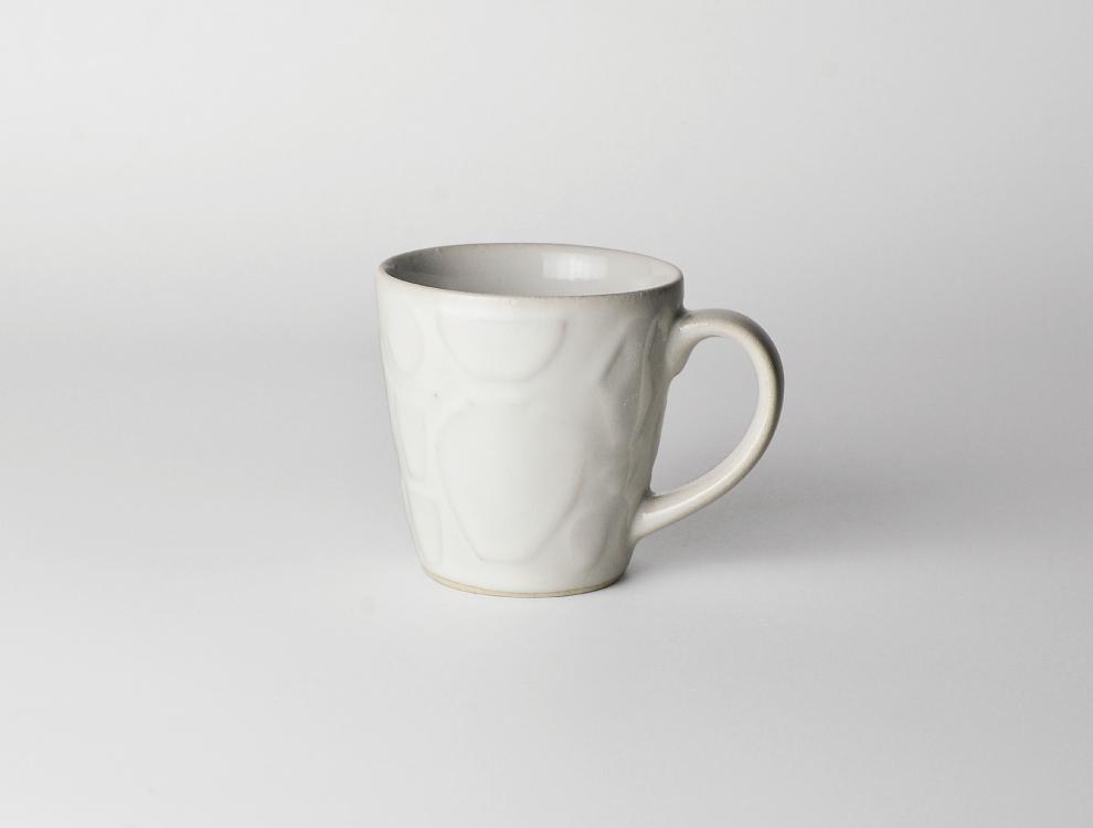 レリーフ_糠白釉 マグカップ イメージ