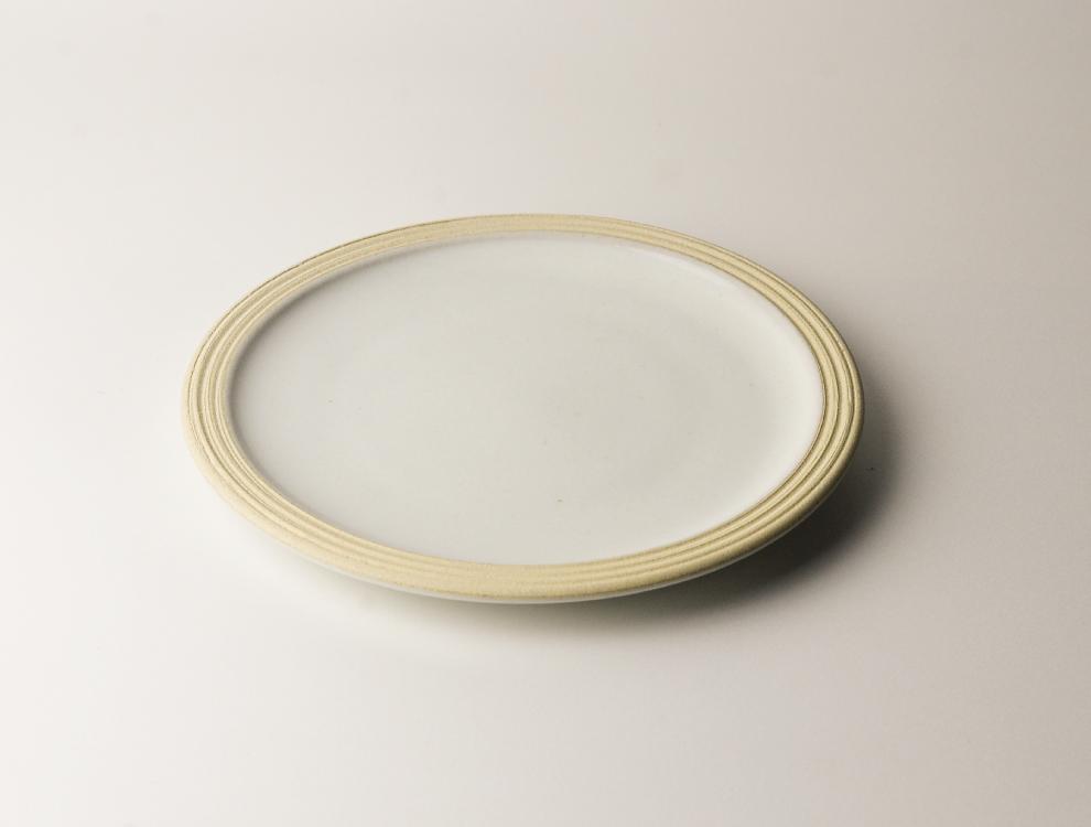 益子伝統釉_糠白釉 パン皿 イメージ
