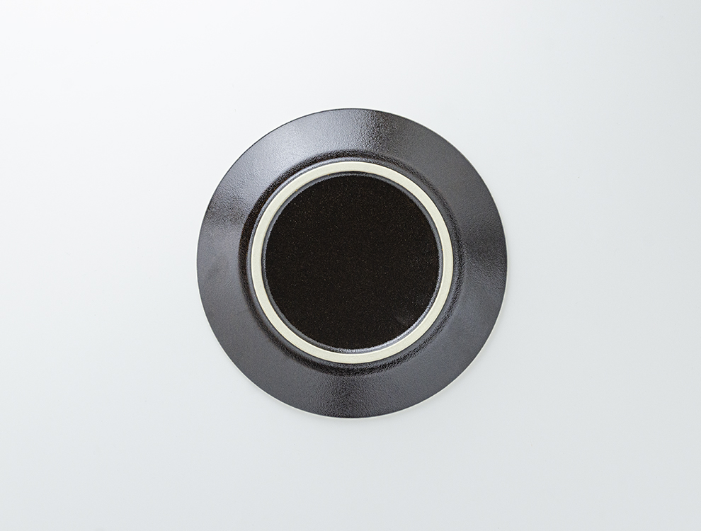 益子伝統釉_ゆず肌黒釉 8寸平皿のイメージ