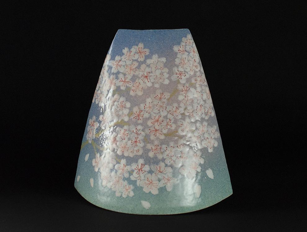 島田琴絵_桜文花器のイメージ