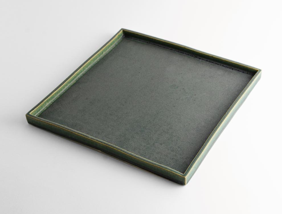 HAKO_濃緑 角皿 L イメージ
