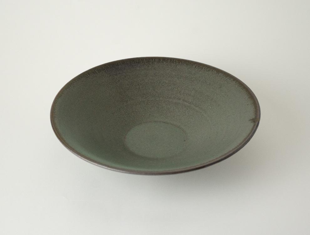 SABI_濃緑 平鉢 中のイメージ