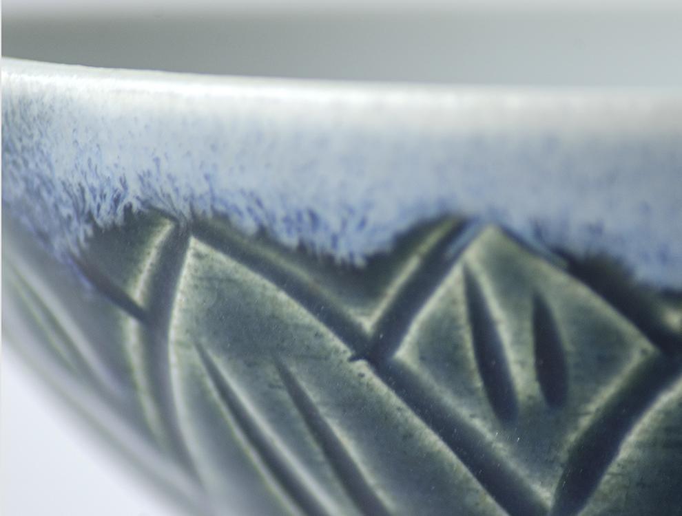 U TOCHIGI DESIGN_呉須釉彫蓮紋 湯呑のイメージ