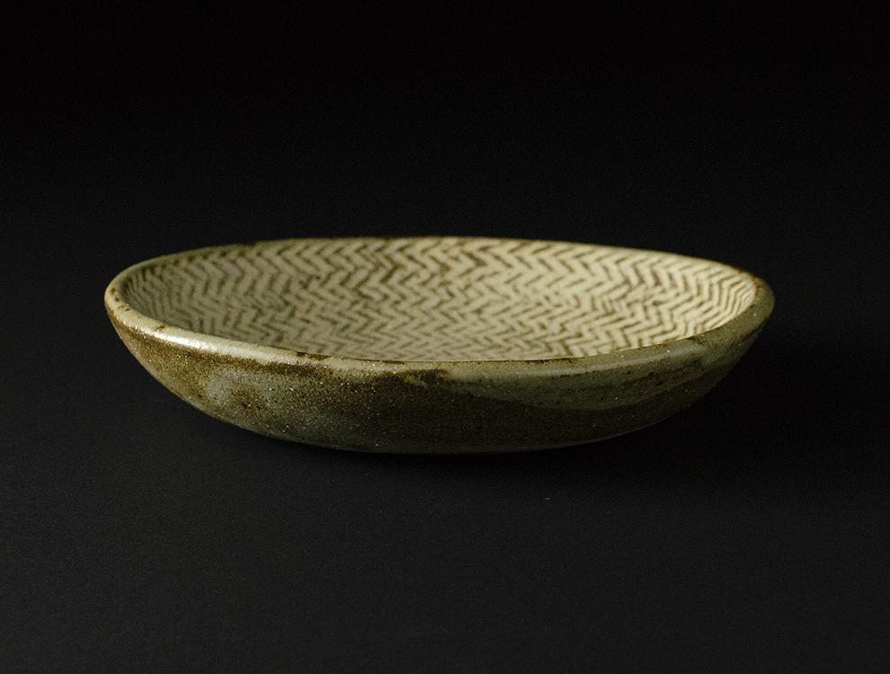 島岡桂_地釉縄文象嵌  楕円皿のイメージ